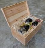 Holzkiste mit Klappdeckel und zwei Schließen für bis zu 6 Flaschen